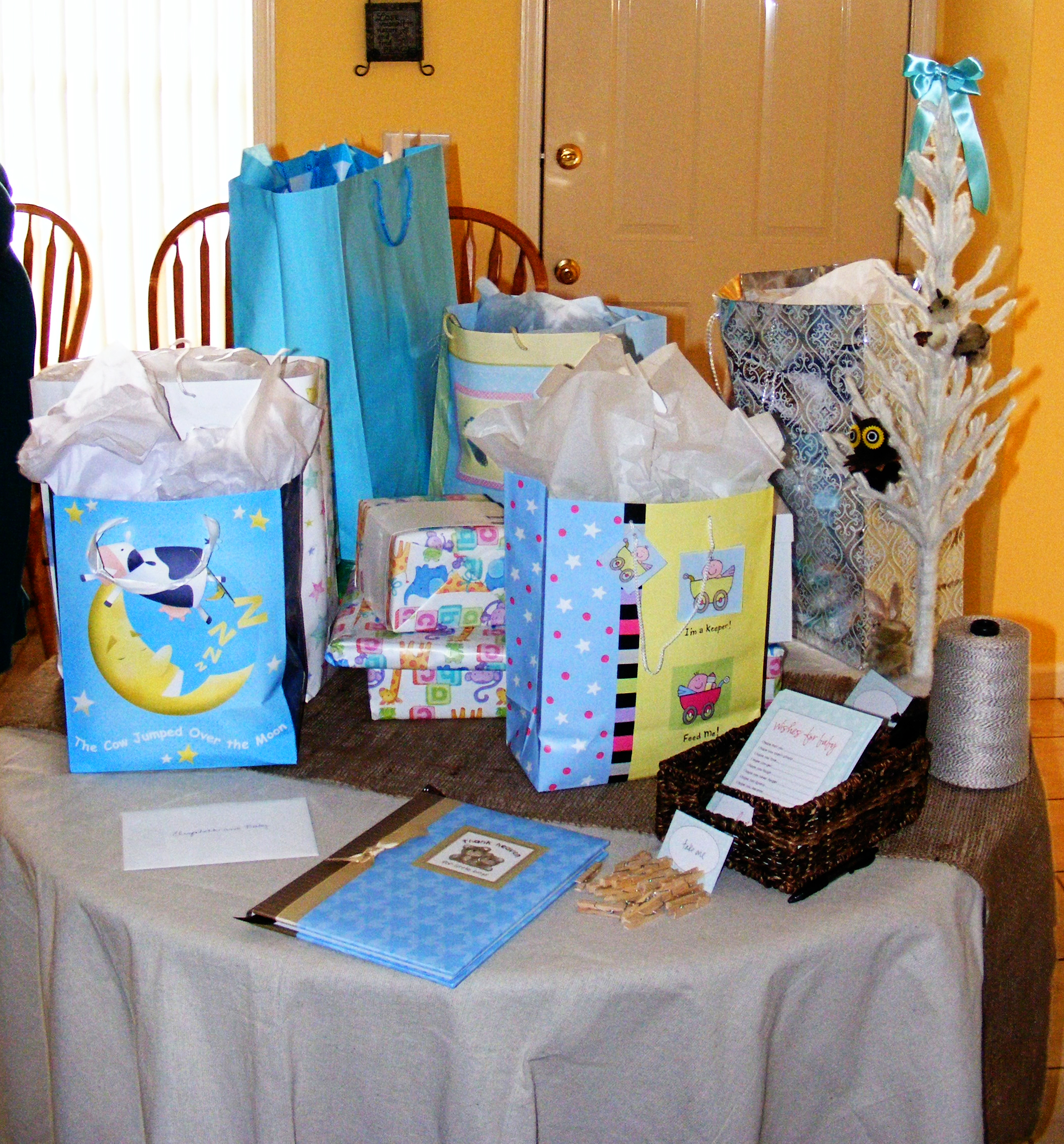 Baby Gift Sets Ideas : Woodland baby shower laurenmakes s we